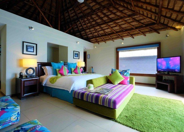 property Villa Bedroom cottage home recreation room Resort living room