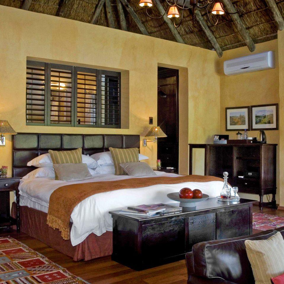 Bedroom Romantic Rustic sofa property living room home cottage Villa Suite mansion farmhouse