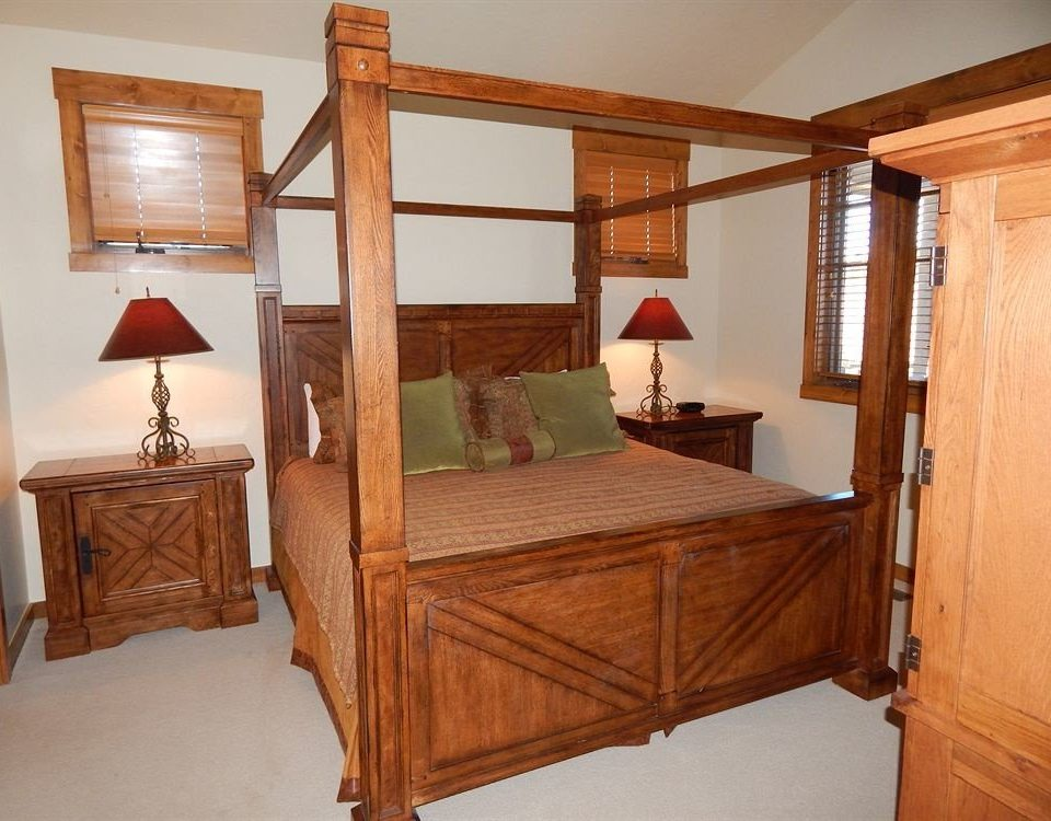 Bedroom Rustic property wooden hardwood cottage cabinetry Suite