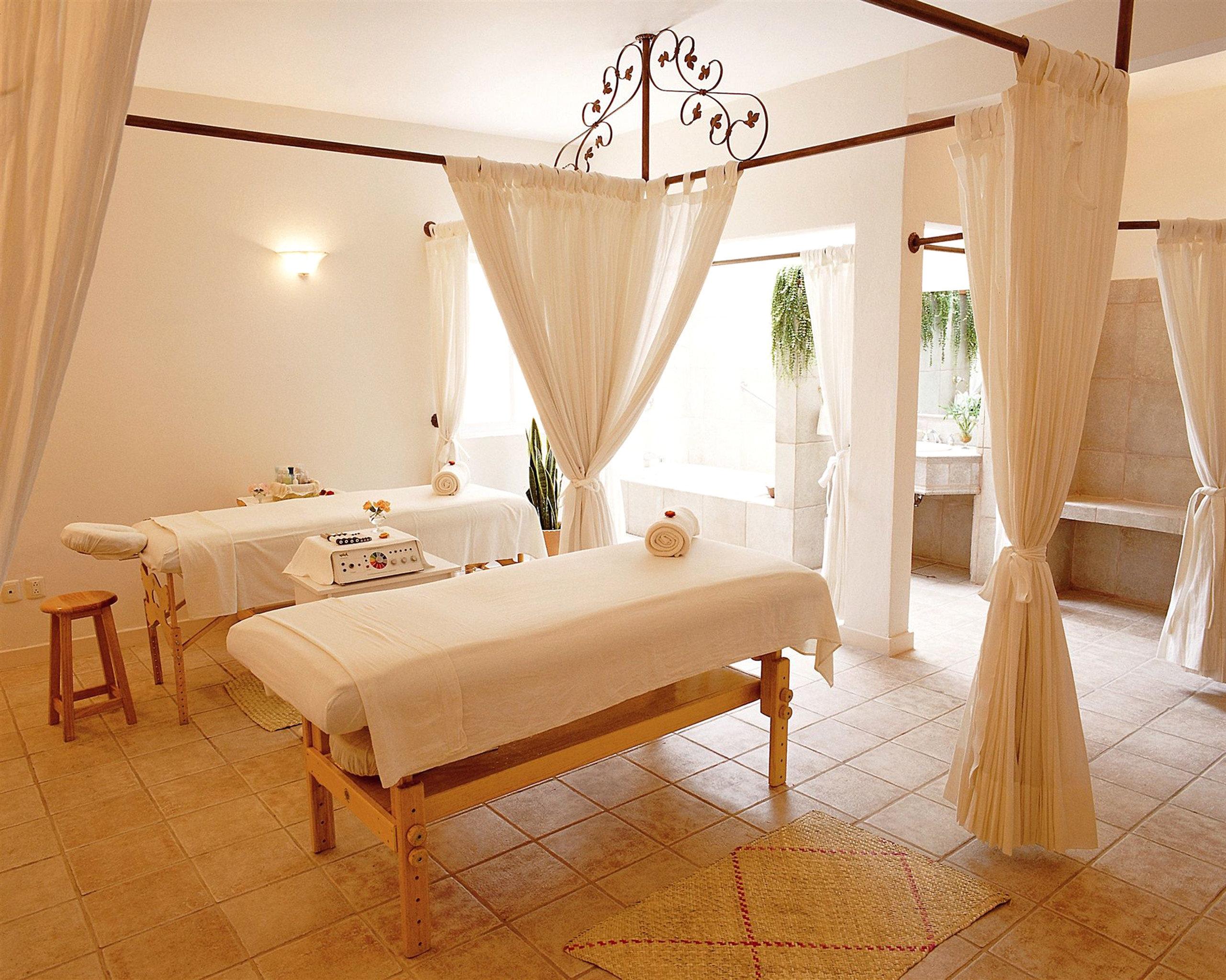 Spa Wellness property Suite cottage Villa Bedroom
