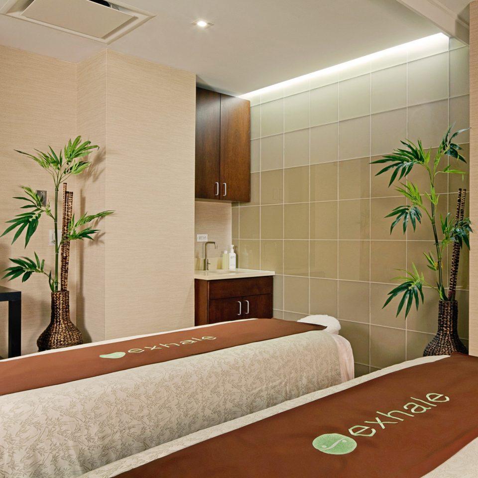 Spa Wellness property Bedroom Suite