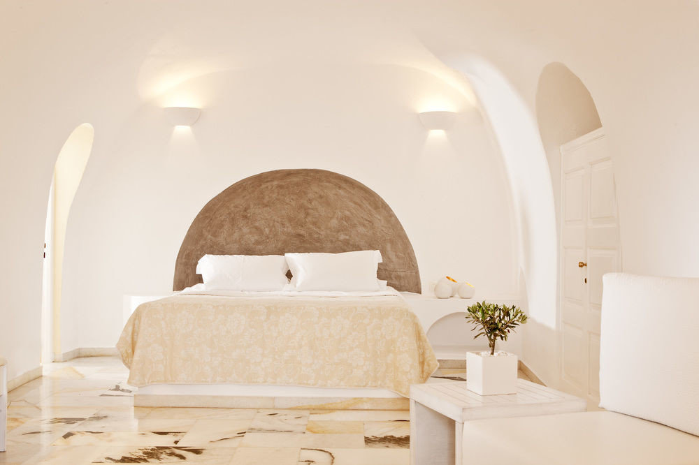 property Suite white arch Bedroom