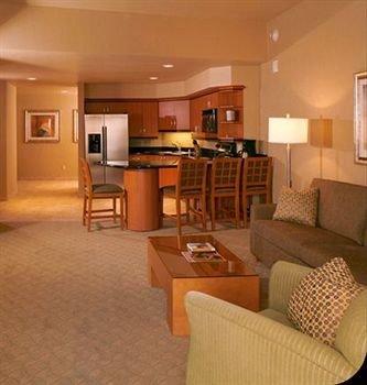 property chair living room Suite condominium hardwood cottage basement Bedroom lamp