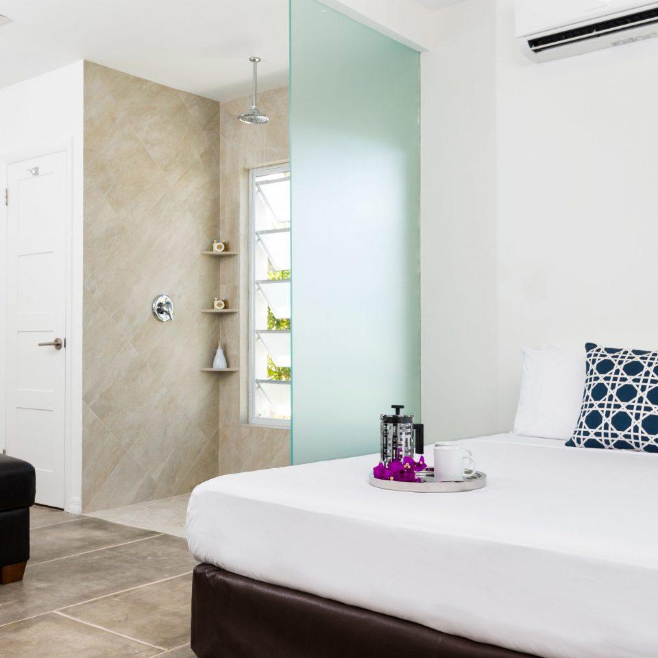 property bathroom Suite bathtub Bedroom tan