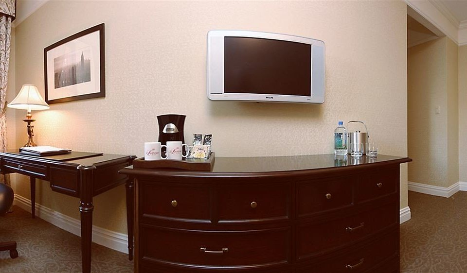 property desk home Suite cabinetry office bathroom Bedroom flat