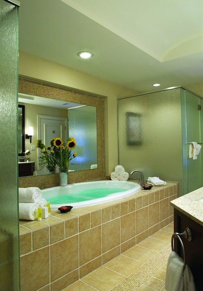 bathroom property sink home Suite condominium swimming pool Bedroom