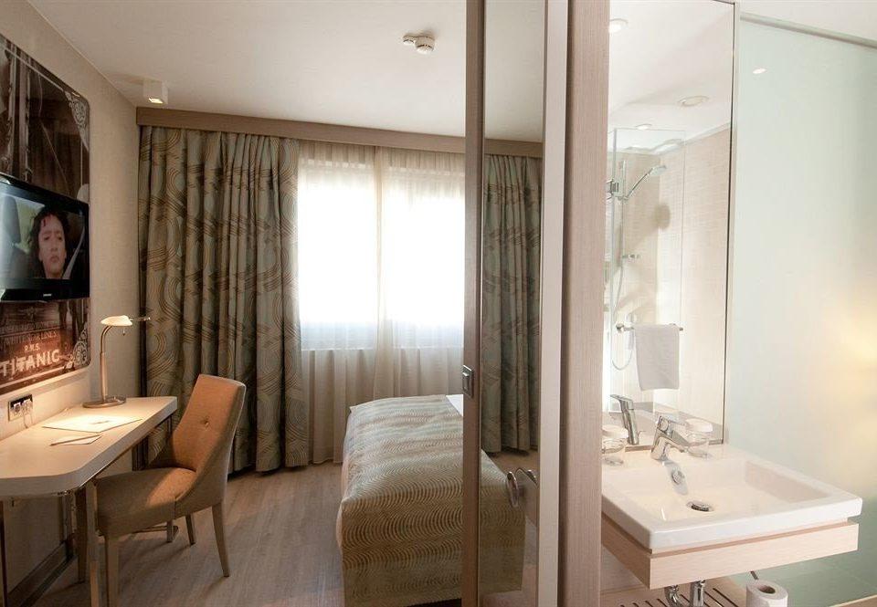property bathroom Suite home cottage Bedroom