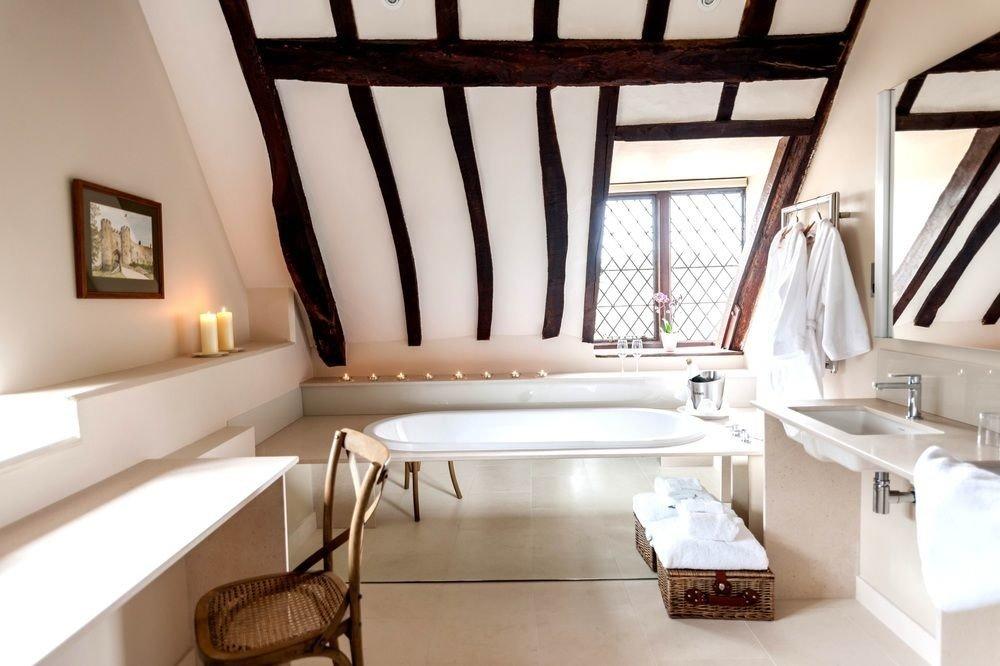 property home bathroom daylighting Suite interior designer living room Bedroom