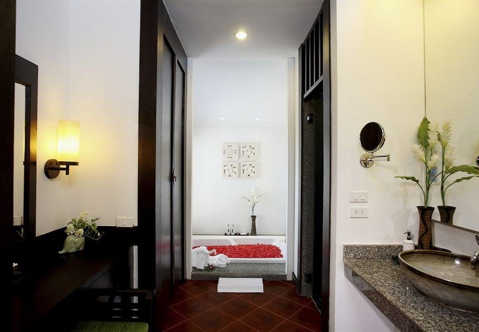 property Suite lighting bathroom home sink hall Bedroom