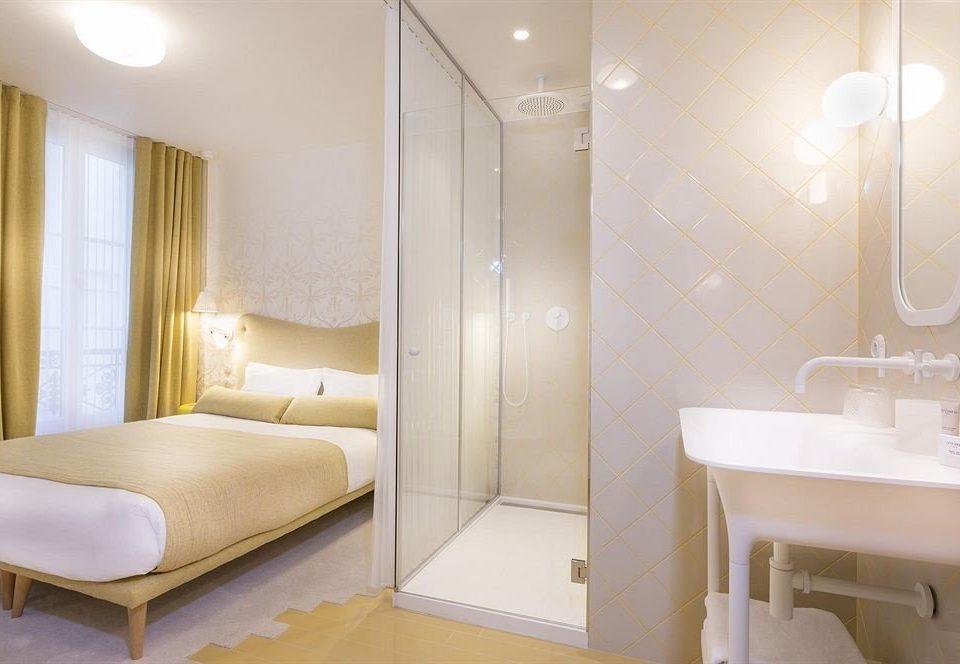 bathroom property Suite Bedroom