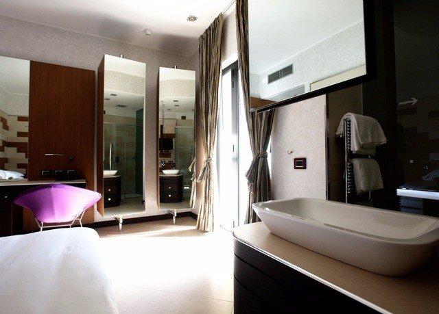 property condominium Suite home living room Bedroom tub bathtub