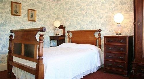 Bedroom property cottage wooden hardwood home Suite bed frame bed sheet lamp