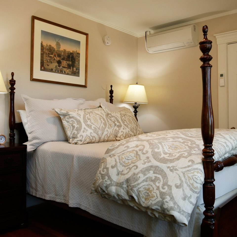 sofa Bedroom property cottage Suite home bed frame bed sheet lamp