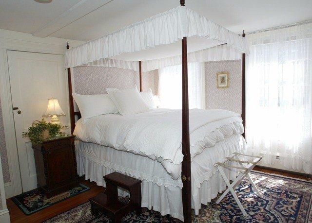 Bedroom property cottage home bed frame Suite bed sheet