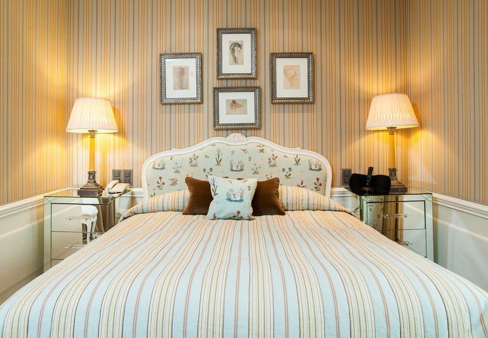 Bedroom sofa pillow bed sheet Suite cottage bed frame lamp