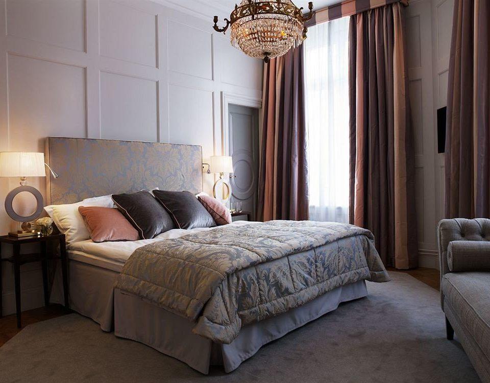 Bedroom property home hardwood cottage bed frame living room Suite bed sheet tan