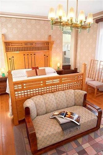 property chair living room cottage home Bedroom hardwood Suite bed sheet bed frame