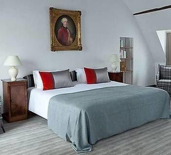 property Bedroom Suite bed frame living room bed sheet cottage painting