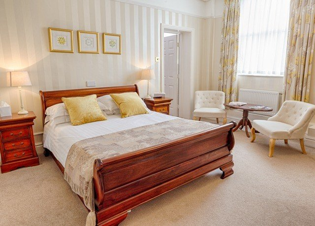 Bedroom property bed frame hardwood Suite bed sheet cottage