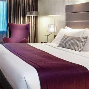 sofa Bedroom duvet cover bed sheet textile Suite bed frame material lamp