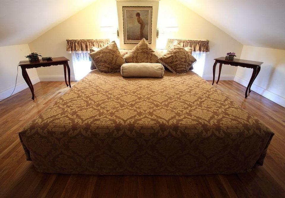 property Bedroom Suite hardwood wooden cottage bed sheet wood flooring bed frame