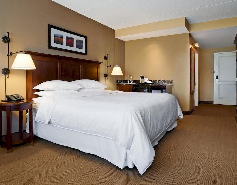Bedroom property Suite cottage hardwood bed sheet bed frame lamp