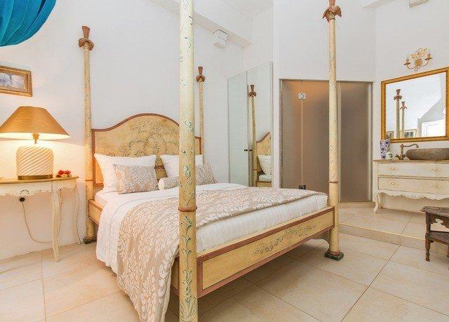 Bedroom property cottage hardwood bed frame Suite bed sheet