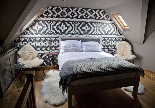 Bedroom property bed frame cottage Suite bed sheet flooring