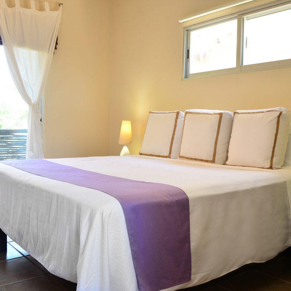 Bedroom property Suite cottage bed sheet bed frame lamp