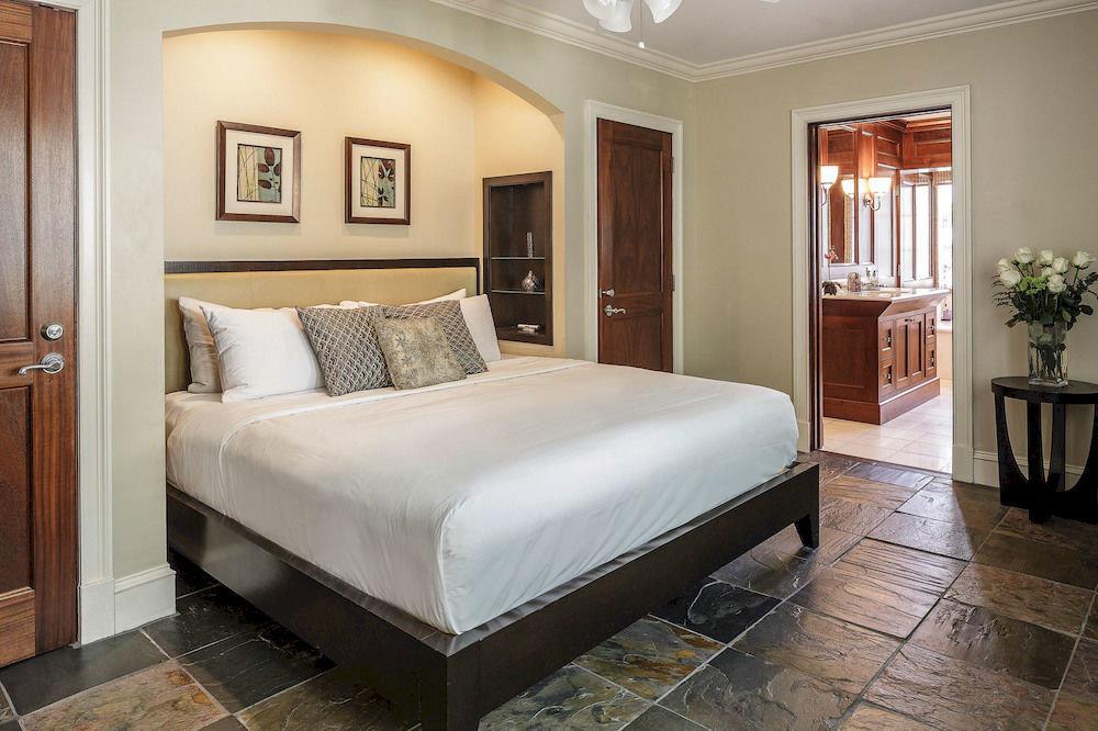 Bedroom property Suite hardwood bed frame home cottage bed sheet living room