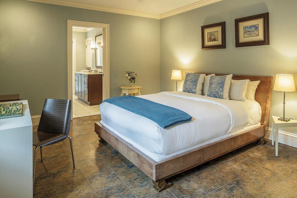 sofa Bedroom property Suite bed frame cottage bed sheet