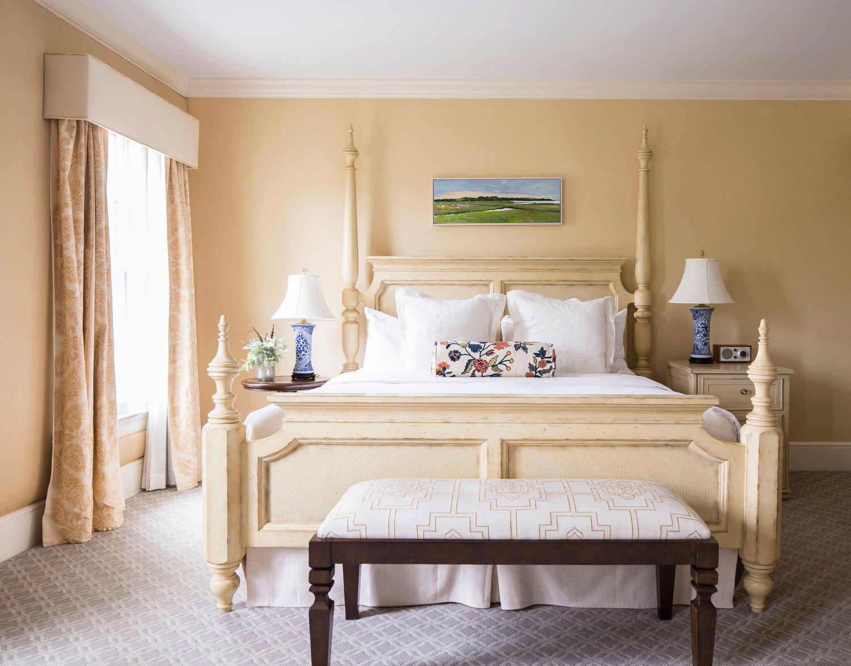 Bedroom property living room hardwood Suite home bed frame studio couch cottage bed sheet