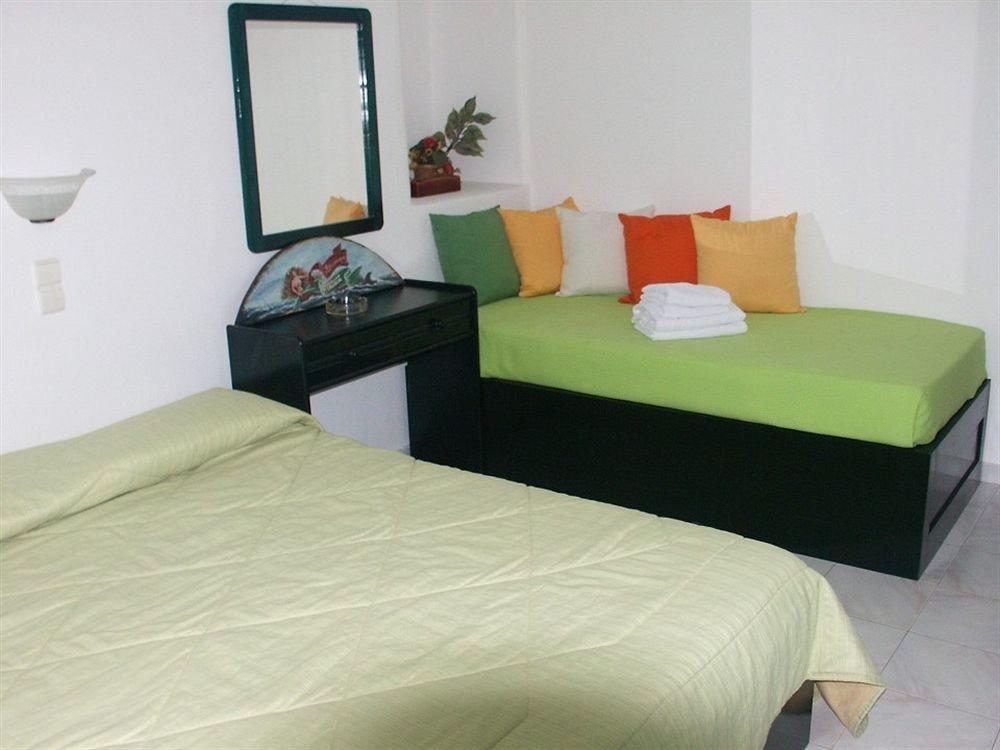 property green Bedroom cottage bed sheet bed frame Suite pillow