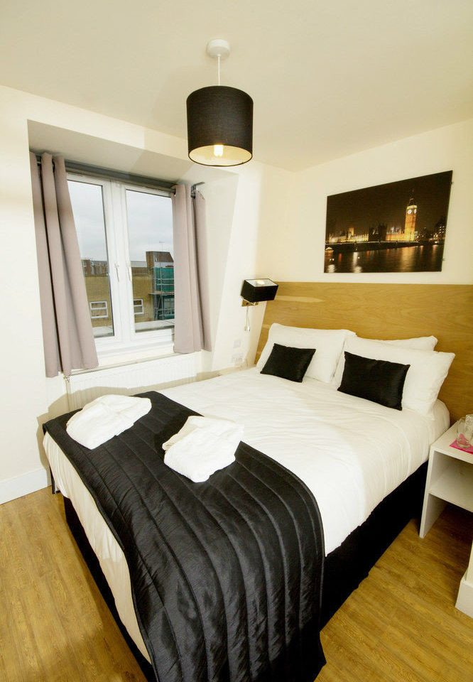 Bedroom property Suite hardwood cottage home bed frame bed sheet