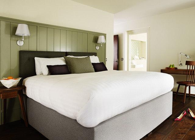 sofa Bedroom property desk Suite bed frame cottage bed sheet lamp