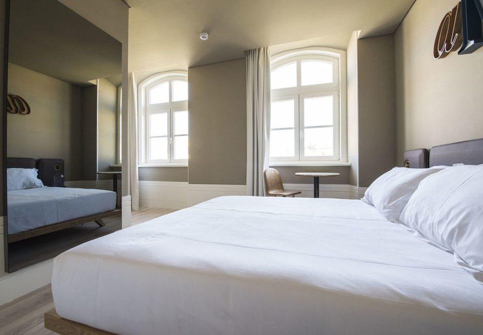 Bedroom property white Suite home bed frame big cottage pillow bed sheet