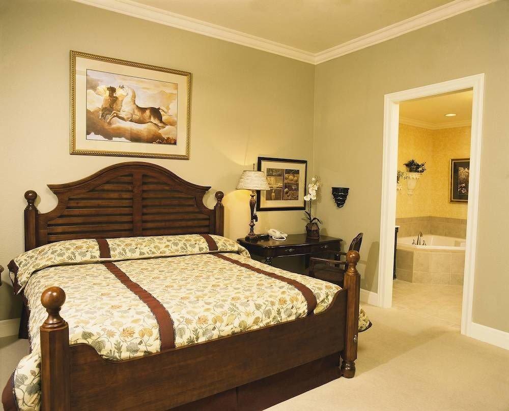 Bedroom property bed frame cottage Suite bed sheet