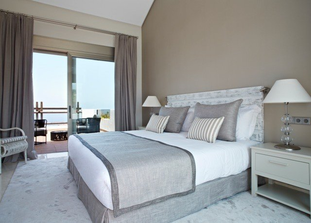 Bedroom property cottage Suite bed frame pillow bed sheet lamp
