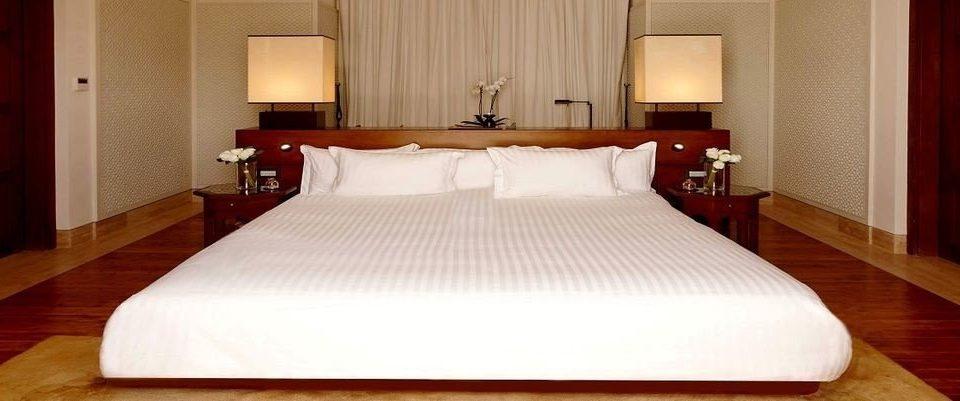 Suite Bedroom bed sheet cottage bed frame