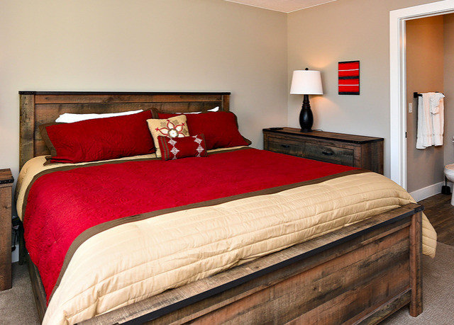 Bedroom red Suite bed sheet hardwood bed frame cottage colored