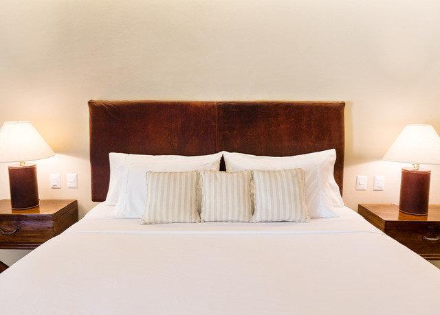 Suite bed frame pillow Bedroom mattress comfort bed sheet