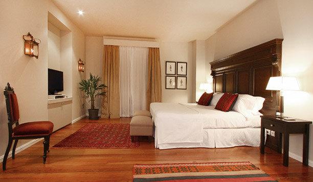 Suite property Bedroom wood flooring hardwood boarding house flooring bed frame comfort