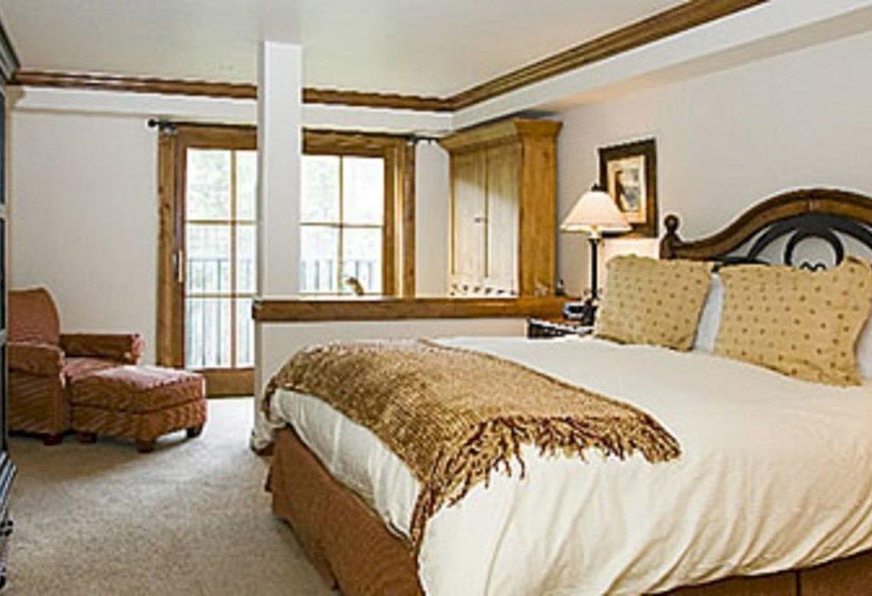 Bedroom property cottage Suite hardwood bed frame containing