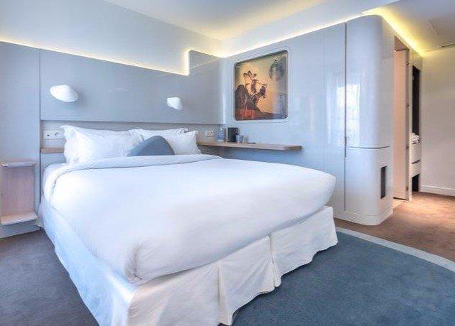 property Bedroom Suite scene cottage bed frame