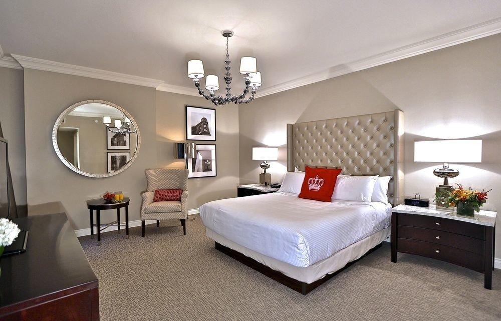 Bedroom property living room home Suite cottage bed frame