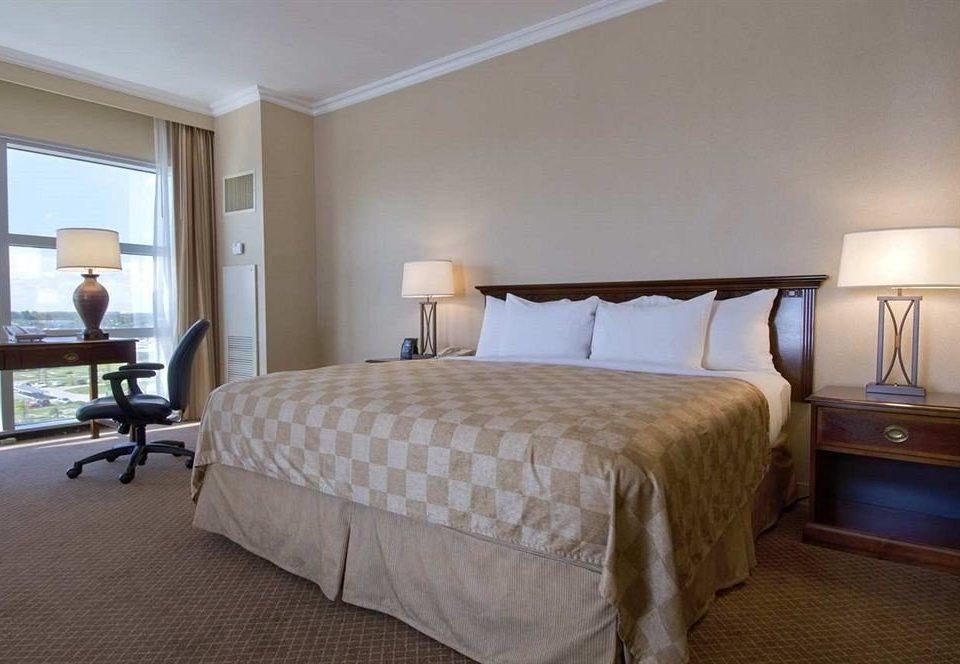 Bedroom property desk Suite cottage bed frame lamp