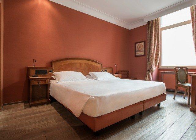 Bedroom property Suite wooden bed frame cottage