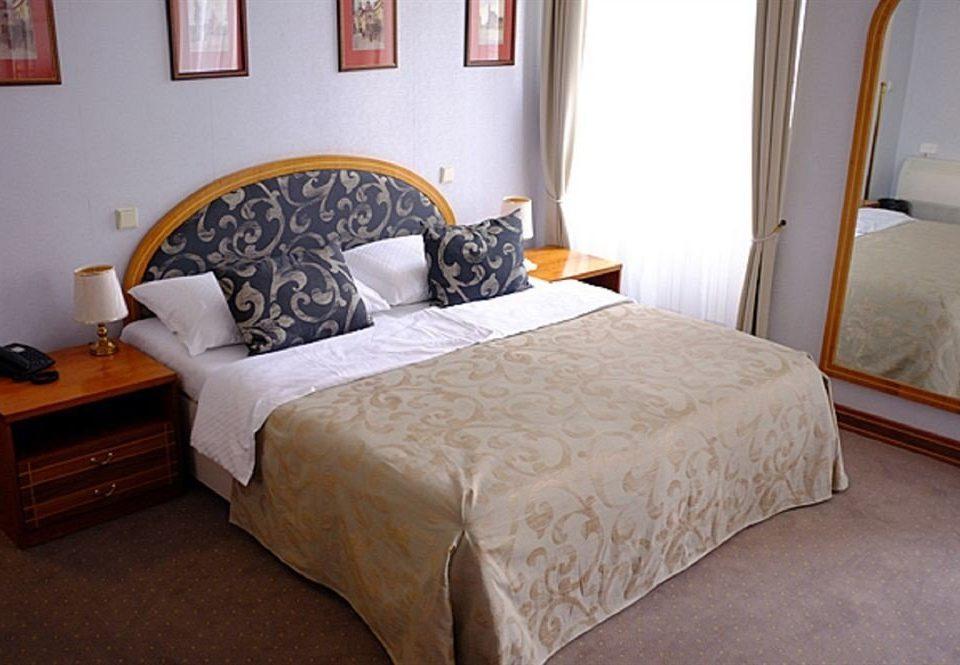 property Bedroom cottage Suite bed frame