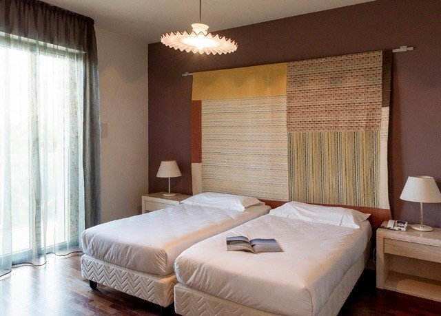 Bedroom property Suite curtain cottage bed frame