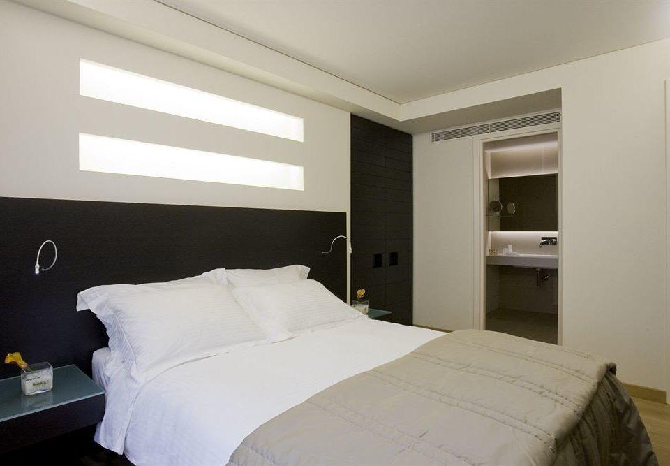 Bedroom property scene pillow Suite cottage bed frame